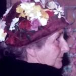 Adèle met bloemtjeshoedje in 1980