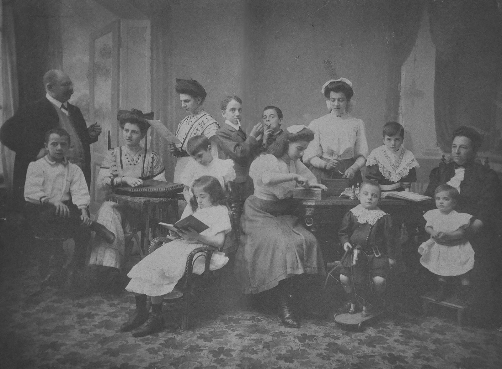 Zilveren bruiloft Verhees - van Keijzerswaard - 30 juli 1911