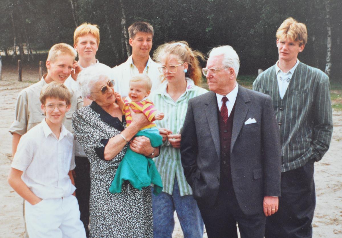 Corvers en kleinkinderen - juni 1987
